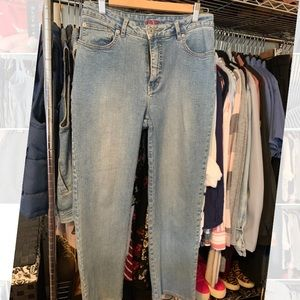 """""""Mom"""" jeans by JAG"""